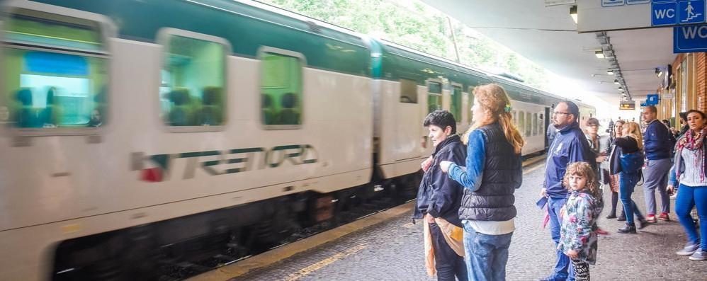 L'impresa di Trenord:  non avvisa i macchinisti  E saltano i treni per i Balocchi