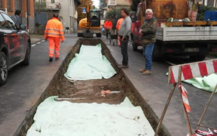 Olgiate, cede l'asfalto dopo i lavori  Chiusa la via San Gerardo