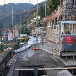Rovenna, la prima gru  Al via i lavori per il ponte militare