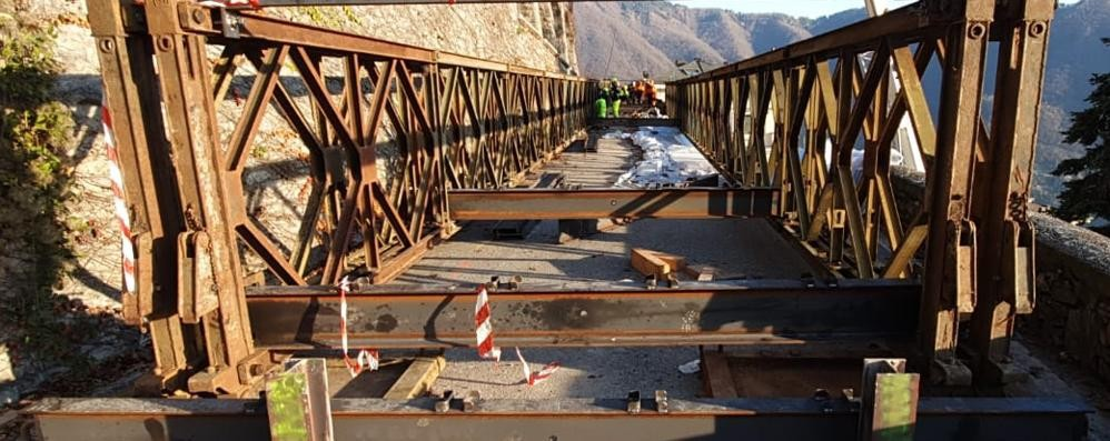Rovenna,  ponte militare (quasi) pronto  E adesso si aspetta il collaudo
