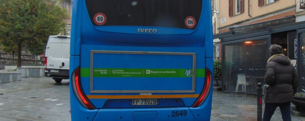 Cantù, «I lastroni saranno sistemati»  Ma il vero problema sono i bus
