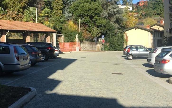 Lucino, basta sosta selvaggia alle scuole  C'è il nuovo parcheggio in via 1° Maggio
