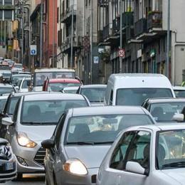 Napoleona, 15 minuti per 1 chilometro  Ogni ora passano duemila automobili