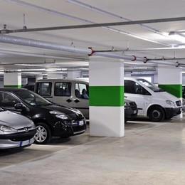Parcheggi disabili e i disagi in ospedale  Il sindaco: «Troppi furbi, non si cambia»