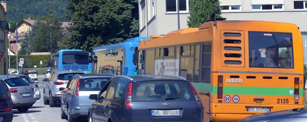 Scuolabus, stangata a Erba  C'è chi pagherà 70 euro in più