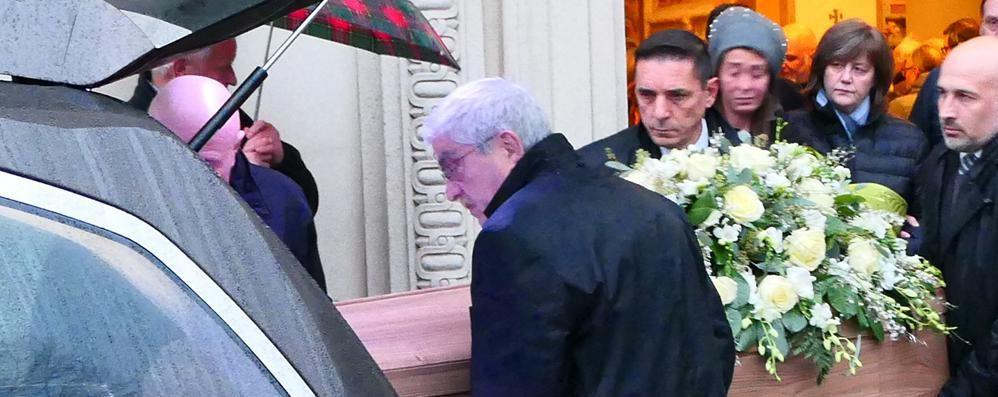 Cantù, folla ai funerali di  Tagliabue  «Imprenditore impegnato nel sociale»