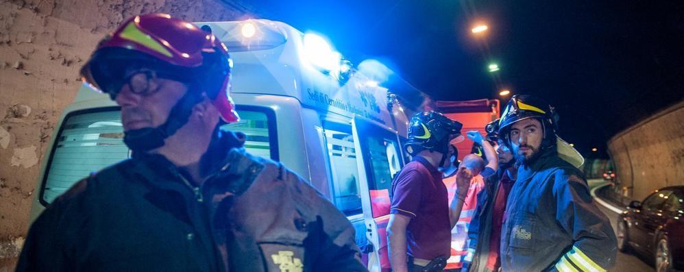 Incidente nella galleria della A9  Una donna finisce all'ospedale