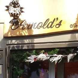 Arnold's, a volte ritornano  Il menù (e il pane) di allora