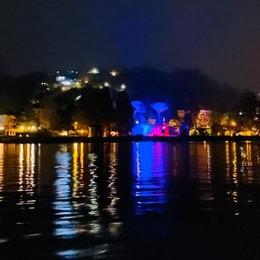 La crociera con i botti finali  Festa sul lago per 250