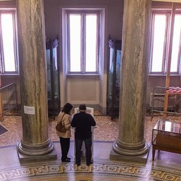La proposta di Terragni:  «Le monete d'oro  al Tempio Voltiano»