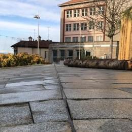 """Piazza di Cantù, non è mai finita  Altri 100mila euro per i """"lastroni"""""""