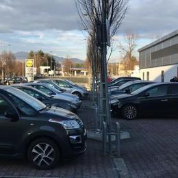 Posteggi dei supermarket È allarme furti a Cantù