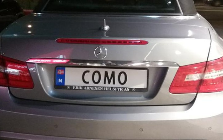 "Auto norvegese,   targa ""comasca"""