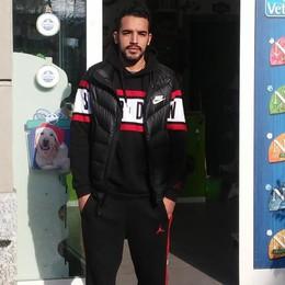 Malore a Rovellasca  Soccorre il giovane  in attesa dell'ambulanza