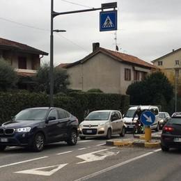 Semafori intelligenti sotto accusa  «Cantù, il traffico ora è peggiorato»