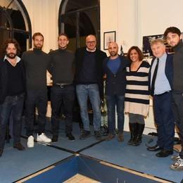 Il Como anticipa il Natale Brindisi con i super tifosi