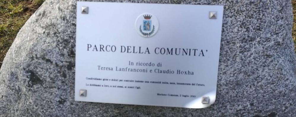 Mariano, danneggiata  la targa per Teresa e Claudio