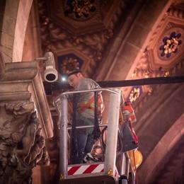 Lavori in corso: con 300 luci  il Duomo di Como torna a brillare
