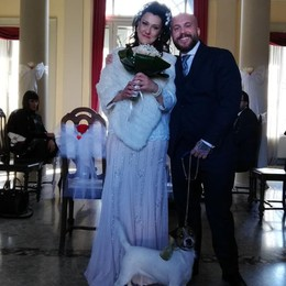 Nozze con cagnolina  Giuly porta gli anelli  a Eleonora e Andrea»