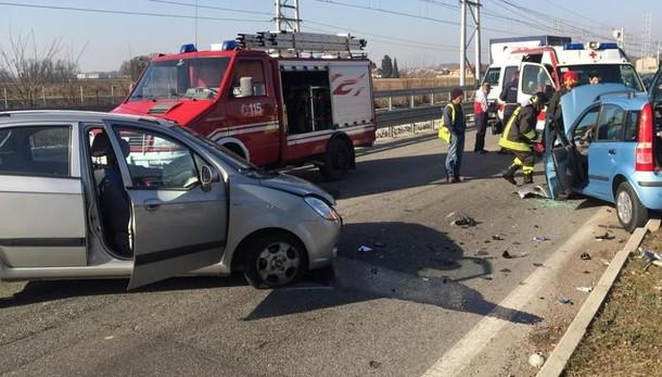 Scontro tra due auto a Lomazzo  Incidenti a Menaggio e Locate