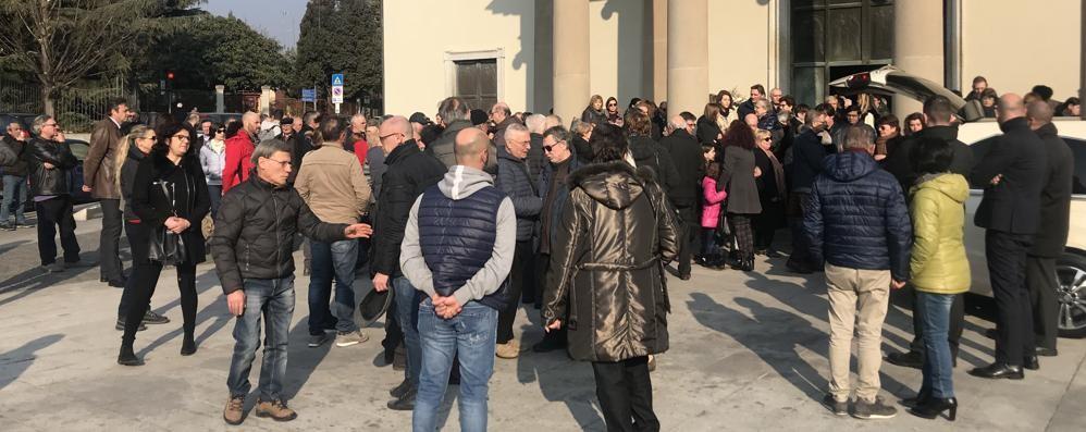 Erba, l'escursionista morta sul Legnone  Folla al funerale in Santa Maria Nascente