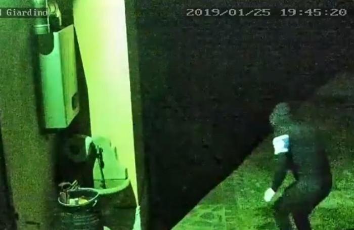 I ladro ripreso a Capiago Intimiano
