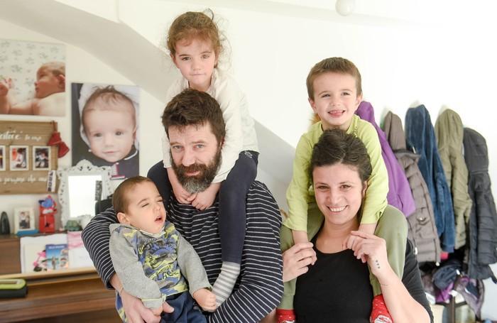 Matteo Jacchetti e Stefania Rotondo con i figli