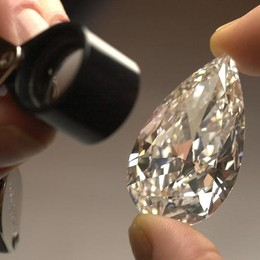 L'inganno dei Diamanti  Decine i comaschi truffati