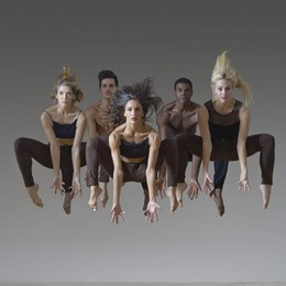Forza atletica più poesia: è danza  Parsons Dance, energia al Sociale