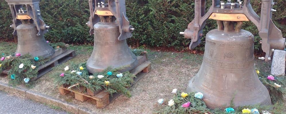 Montorfano, riecco le campane  I fedeli ammirano un secolo di storia