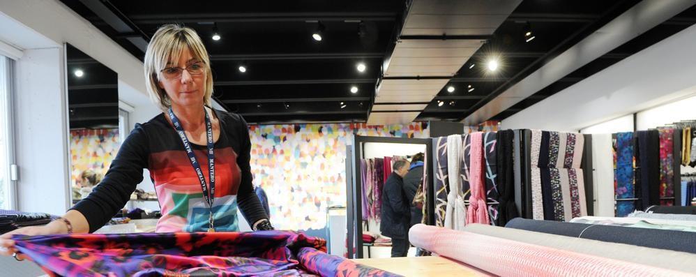 Mantero Seta, il tessile che va forte  A tutti i dipendenti bonus di 809 euro