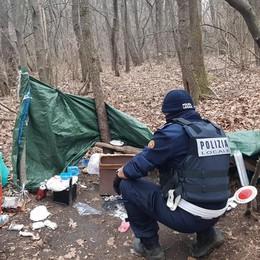 Market della droga  nel bosco di Uggiate  Scoperto dai vigili