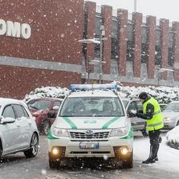 Caos neve, la versione  del Comune di Como  In perfetto burocratese