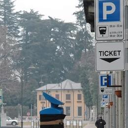 Cernobbio, parcometri aumentati   Un'ora costa un euro, polemiche