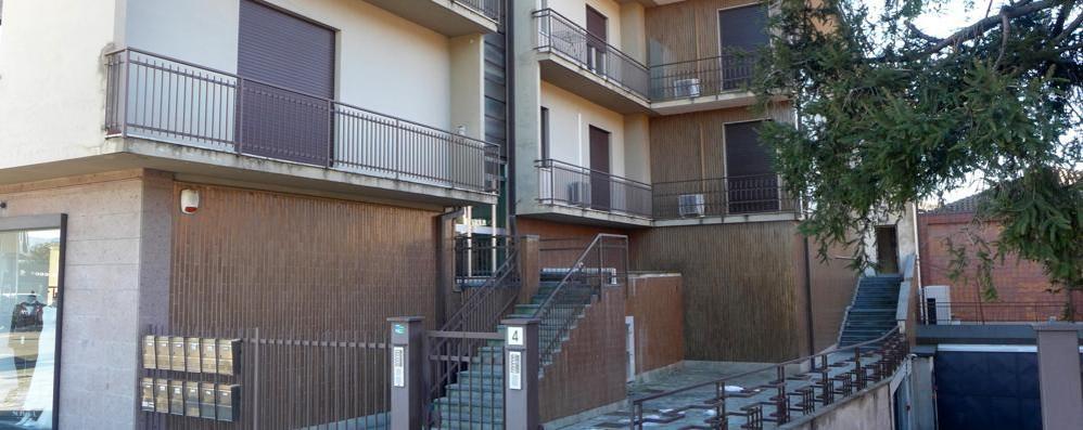 Erba, raid dei ladri in tre abitazioni  Buttati due cassetti dalla finestra