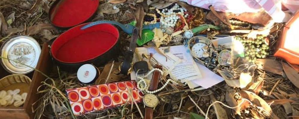 Cadorago, i ladri perdono i gioielli  La refurtiva trovata nei boschi