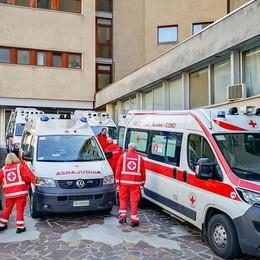 Ospedale, reparti al completo   Pazienti del Valduce  bloccati in ambulanza