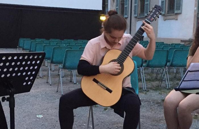 Sefora Vallarin, studentessa del musicale della Ciceri, una delle due campionesse italiana di filosofia (categoria junior)