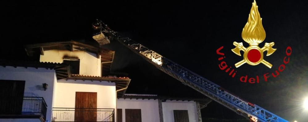 Incendio in una mansarda  Paura a Casasco d'Intelvi