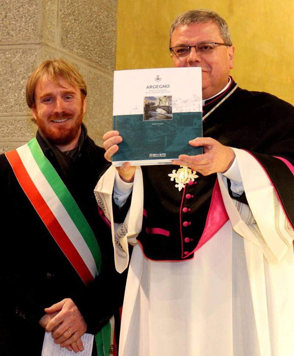 Il sindaco Roberto De Angeli e don Giovanni Illia