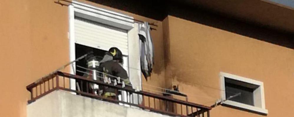 Cantù, incendio in casa  Paura in via Seveso