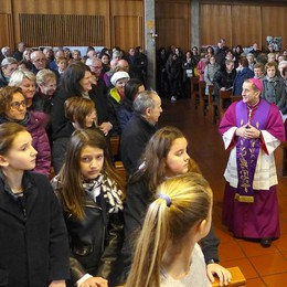 Delpini visita 4 parrocchie  «Siate portatori di gioia»