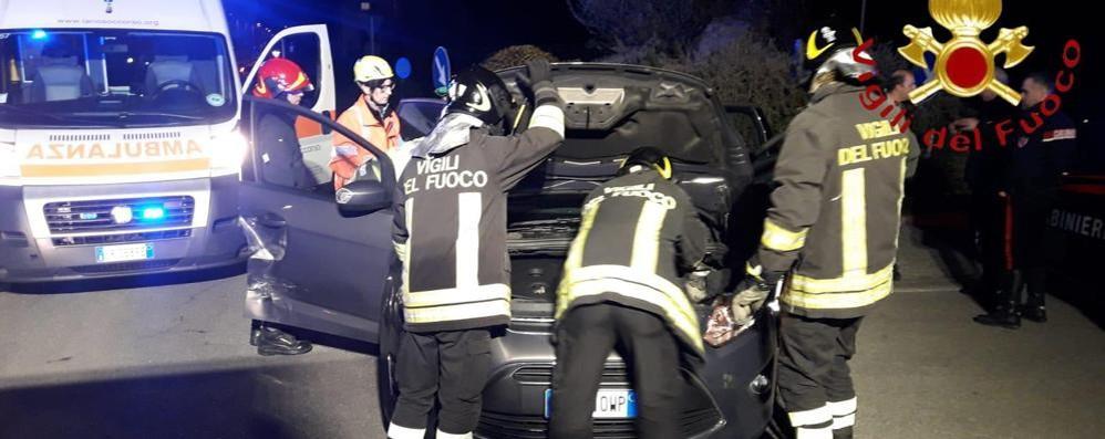 Scontro tra due auto Cinque persone coinvolte