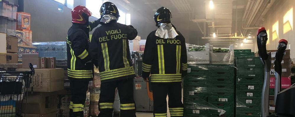 Cantù: principio di incendio  al supermercato Aldi