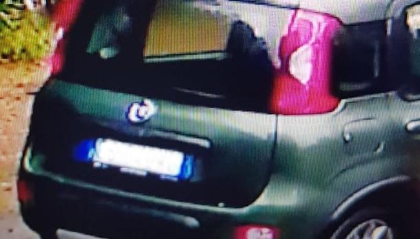 Olgiate, abbandona i rifiuti  Ripreso dalla telecamera: multato