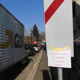 Imprese e trasportatori disperati  «Novedratese, qui chiudiamo tutti»