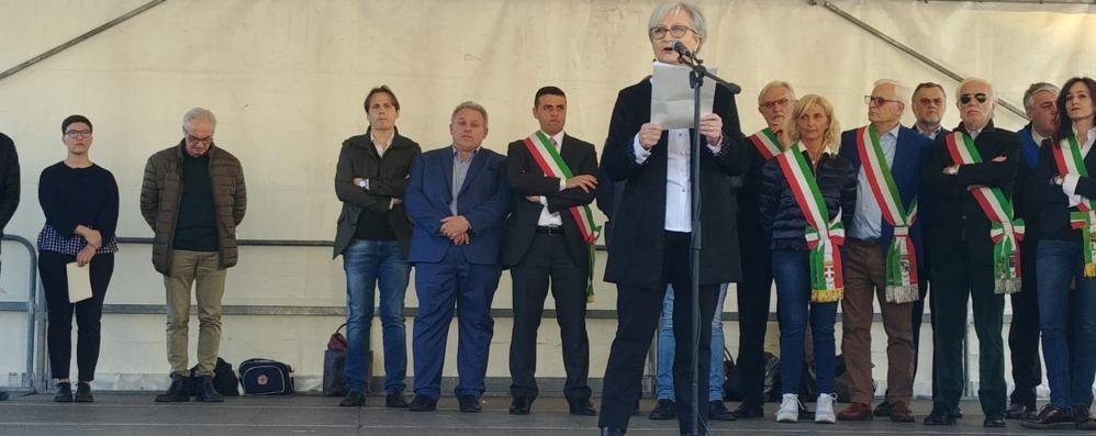 La città in piazza contro le mafie  «Cantù risponde, è un nuovo inizio»