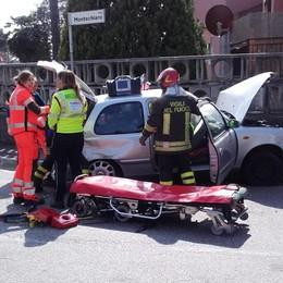 Scontro tra due auto a Bulgaro  Paura per una pensionata