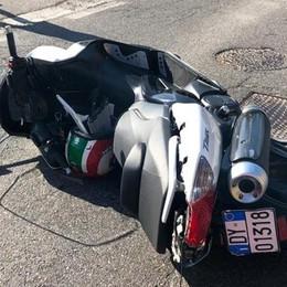 Incidente a Montano Lucino Cade in moto, grave