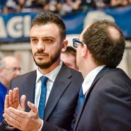 """Cantù, ora sotto con Bologna I biglietti al """"Blackcourt Store"""""""
